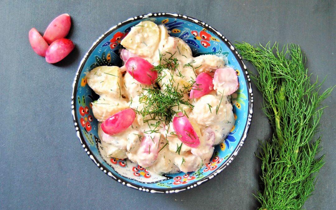 Ayurvedischer Kartoffelsalat mit gebackenen Radieschen